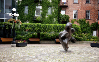 Jeanne D'Arc Courtyard Gardens